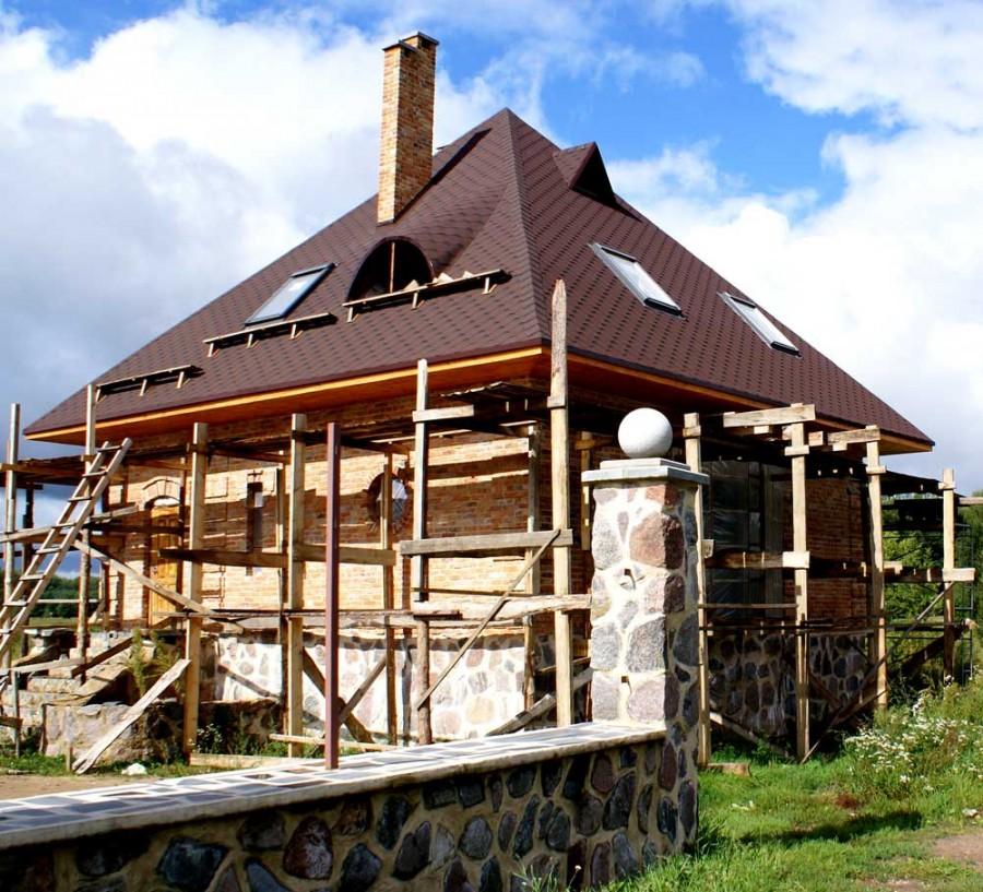 Все о вальмовой крыше проекты частных домов и виды четырехскатной кровли  фото