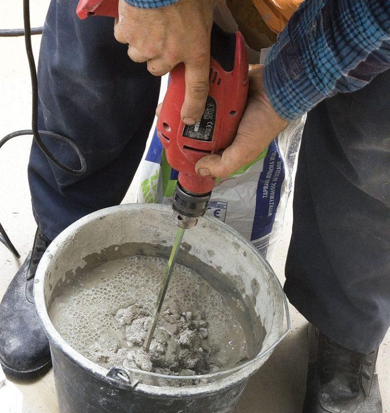 можно ли смешивать цемент с плиточным клеем