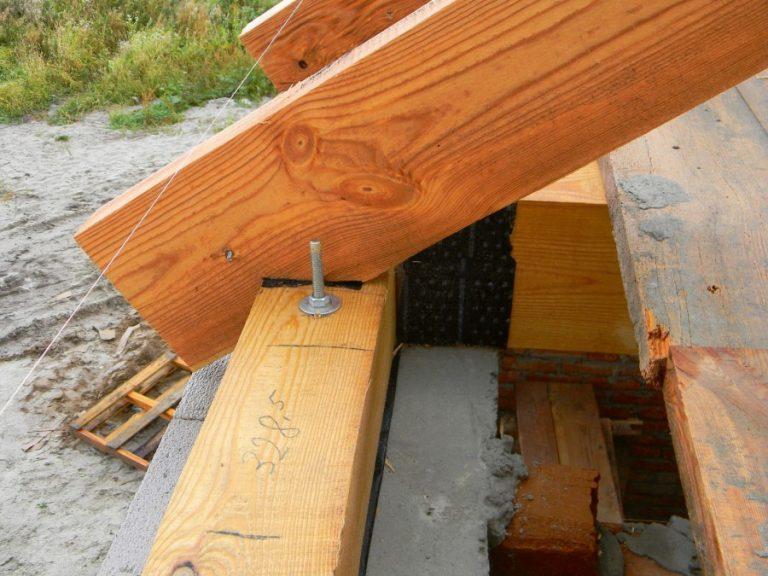 Фото деревянных кронштейнов для кашпо молотыми шкварками