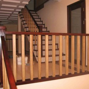 Разновидности деревянных балясин для лестниц – виды, особенности использования и способы монтажа