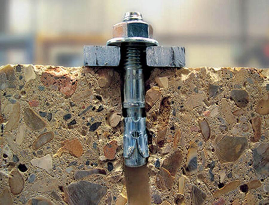 чем крепить металл к бетону
